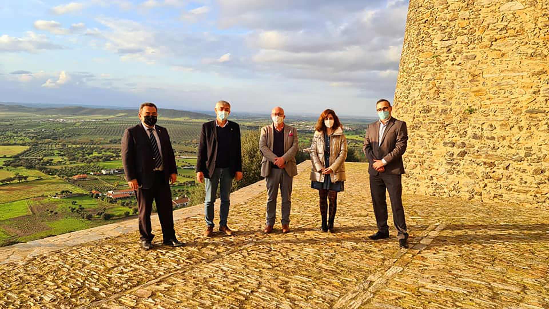 Ceia da Silva visitou obras apoiadas por fundos comunitários no concelho de Reguengos de Monsaraz