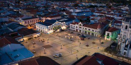 Praça da Liberdade, em Reguengos de Monsaraz, aberta à população após obras de requalificação